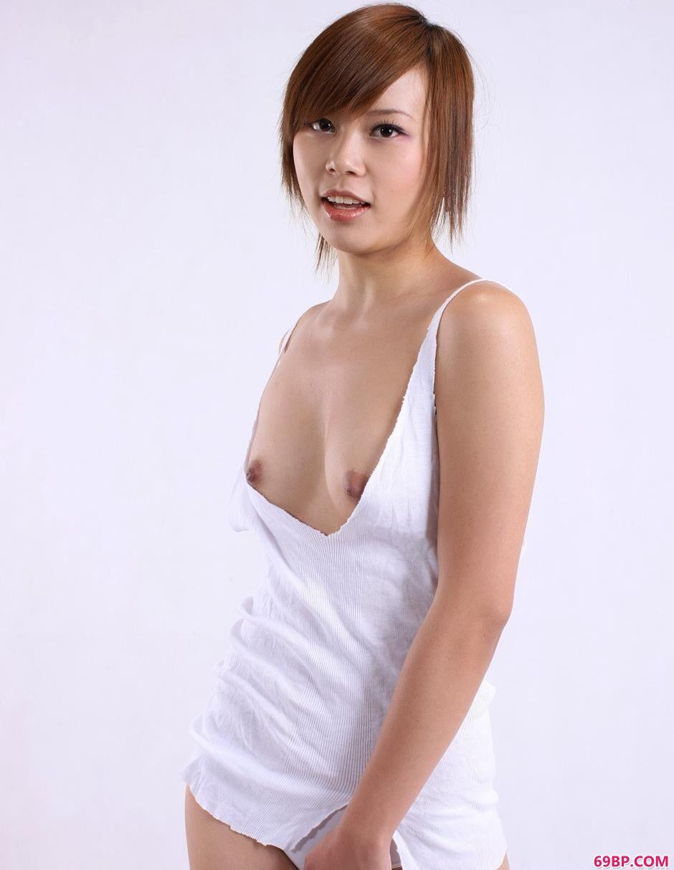 裸模清羽羊毛毯上的娇嫩人体