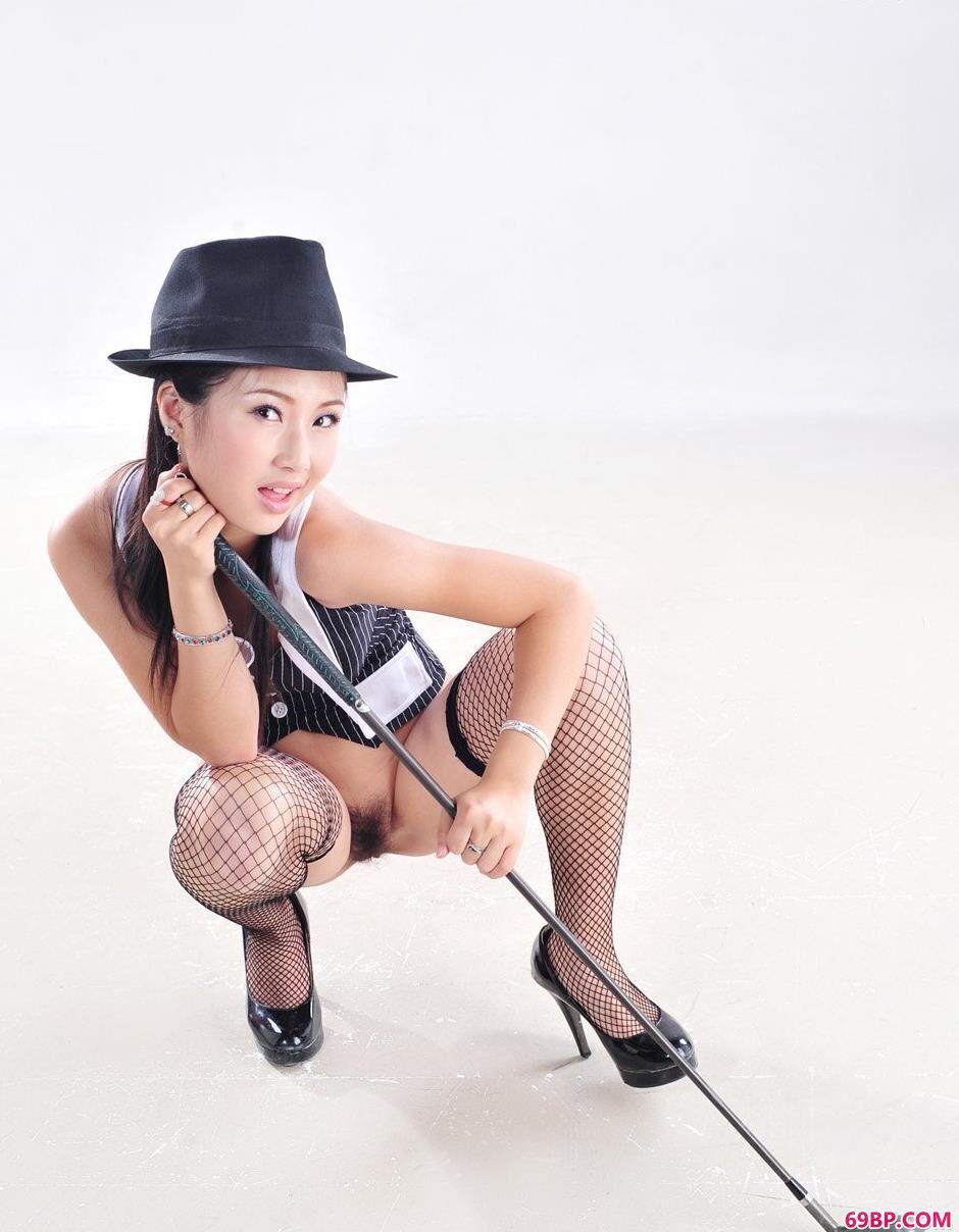 酷酷的丝袜女生小唯4_13一14中国