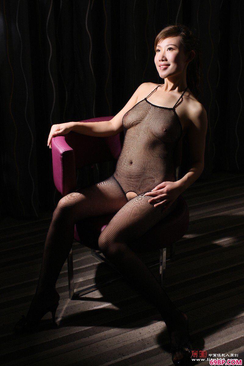国模蓝依情趣网衣性感诱惑_美女子裸体棚拍国模