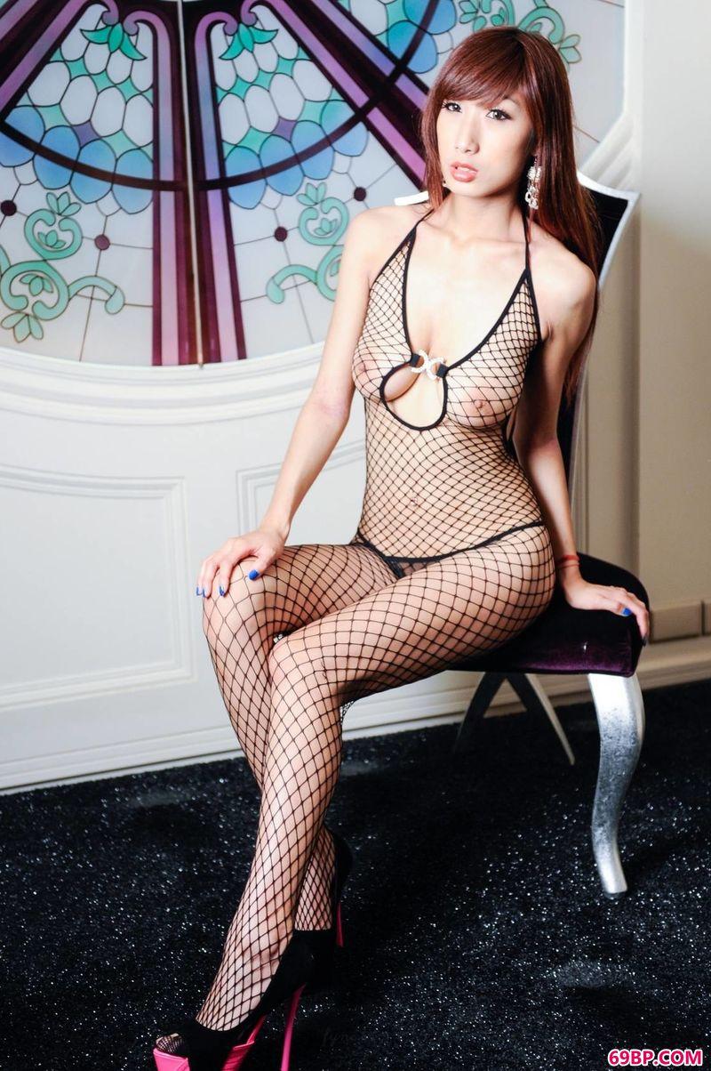 gogo人体艺高清大图术,渔网与美体超模妞妞